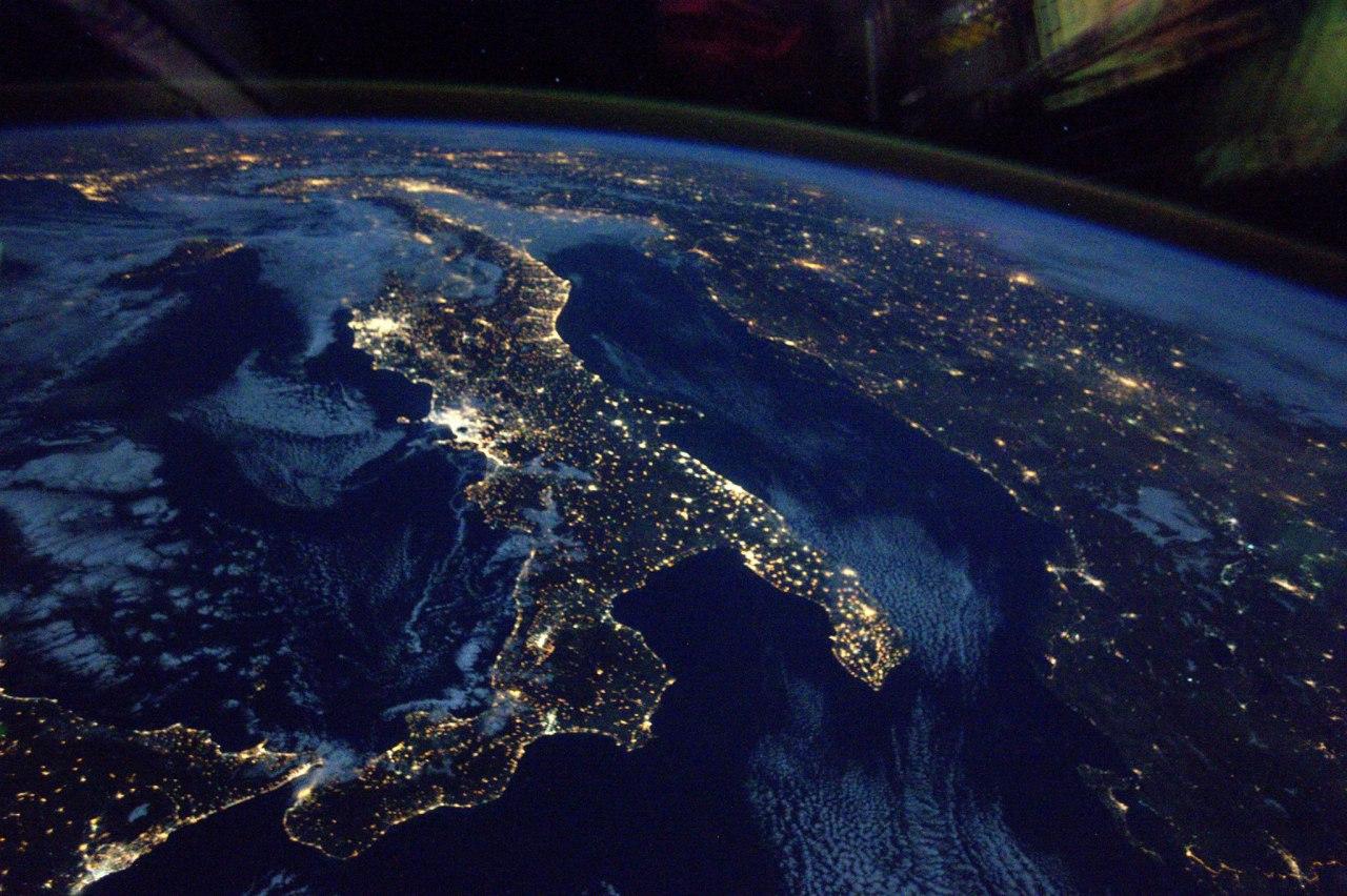 отзывы работе есть ли настоящие фото земли из космоса приборостроительный