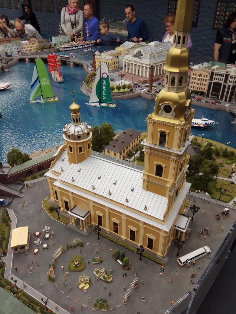 макет россии в санкт петербурге фото изображение