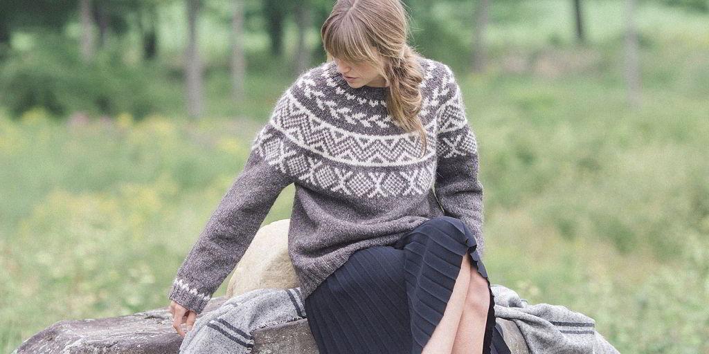 pulover_s_krugloj_koketkoj.jpg