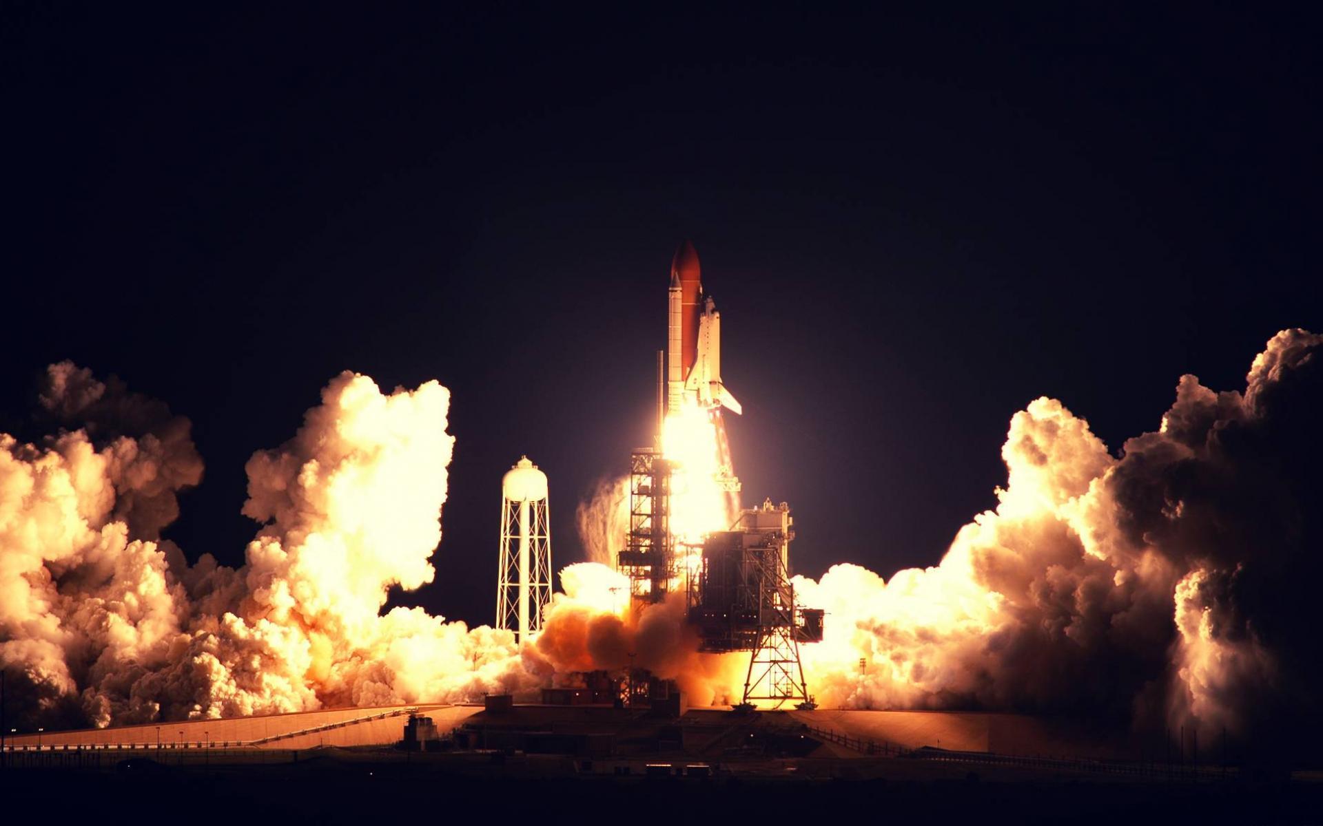 nochnoy_start_rakety_1920x1200.jpg