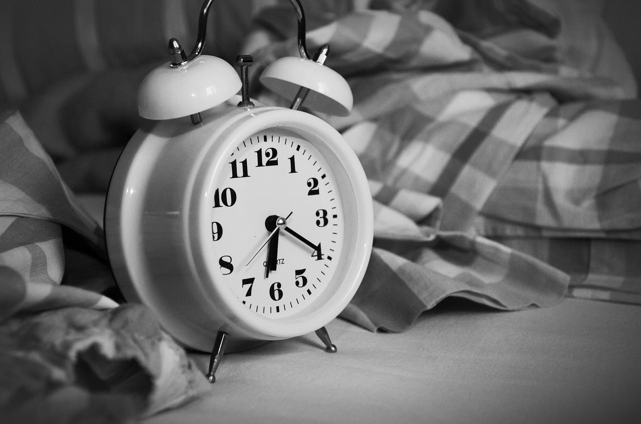 alarm-clock-1193291_1280.jpg