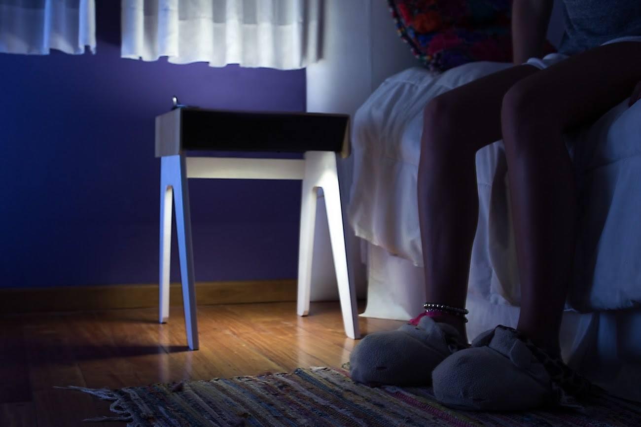Curvilux-Smart-Sleep-Nightstand-01.jpg