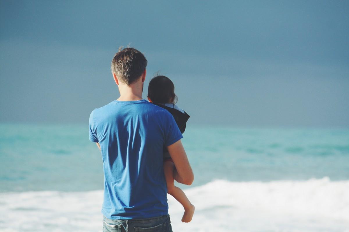 child_person_family_back_seaside-14172.jpg
