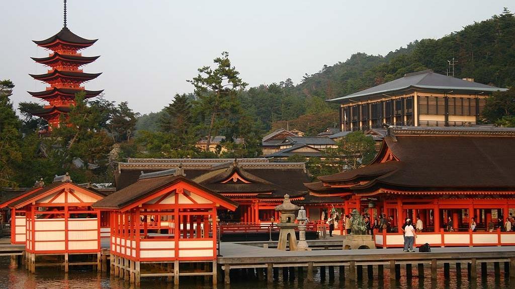 Ицукусимское святилище.jpg