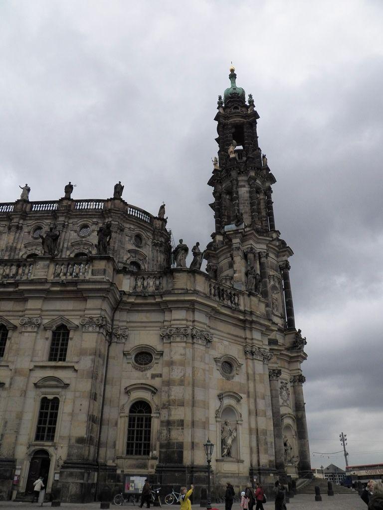Хофкирхе, или Кафедральный собор Св. Троицы.JPG