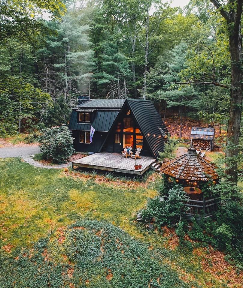 красивое фото домика в лесу стране