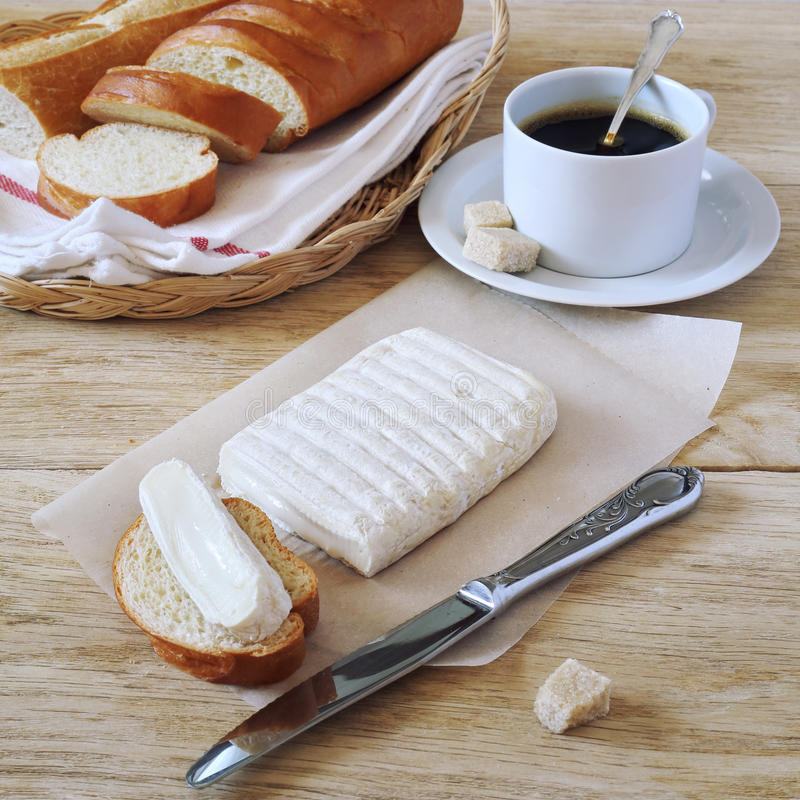 козий-сыр-багет-и-кофе.jpg