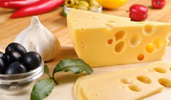 emmental-cheese12.jpg