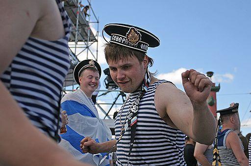 Три, день вмф прикольные картинки пьяные моряки