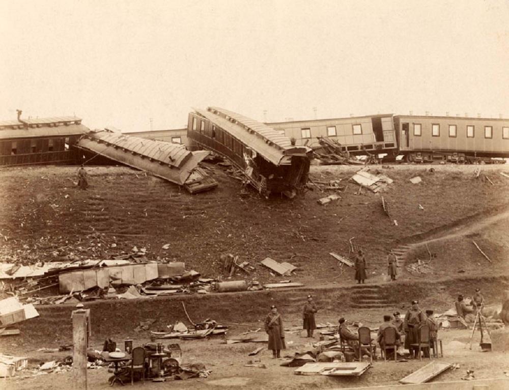 Russian_imperial_train_crush1888.jpg