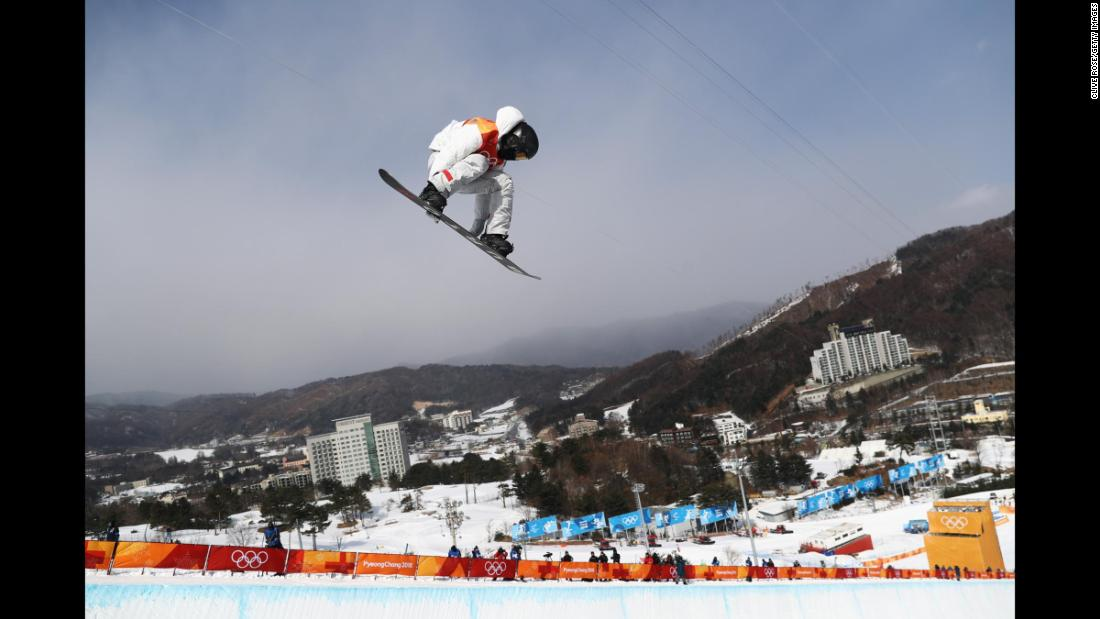 180212234209-17-winter-olympics-0213-halfpipe-qualifying-shaun-white-super-169.jpg