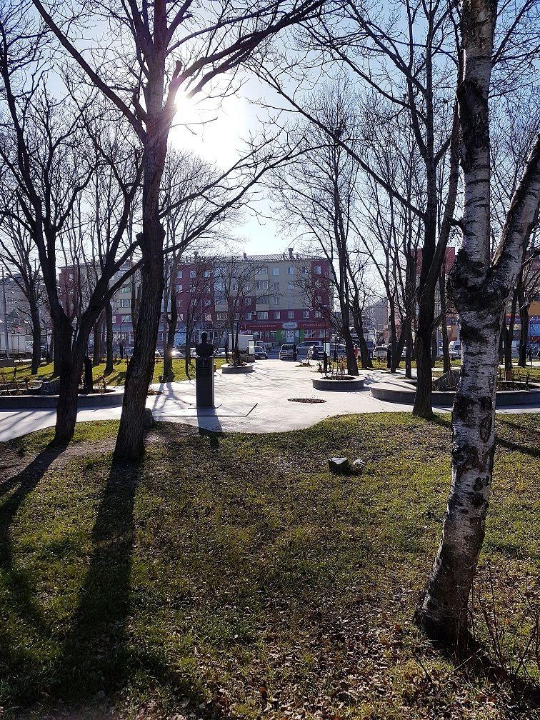 Осень 2018г.Южно-Сахалинск, сквер имени В.М.Головин.jpg