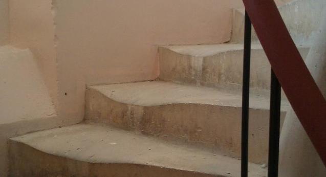 stairs0.jpg