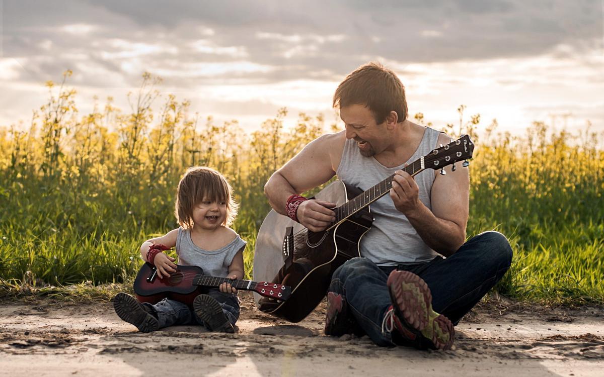 otec-syn-gitary-muzyka1.jpg