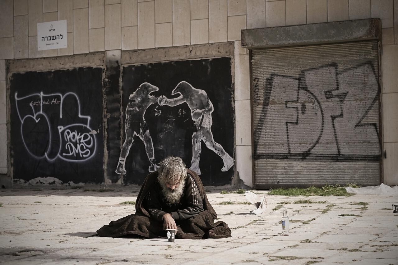 homeless-2223116_1280.jpg