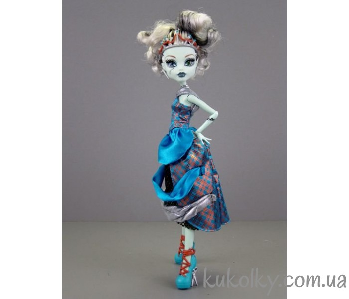 Monster High Scary Tale Dolls Frankie Stein 1-700x600_0.jpg