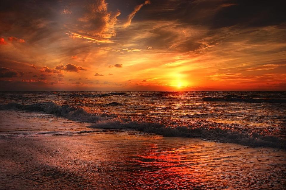beach-2179624_960_720[1].jpg