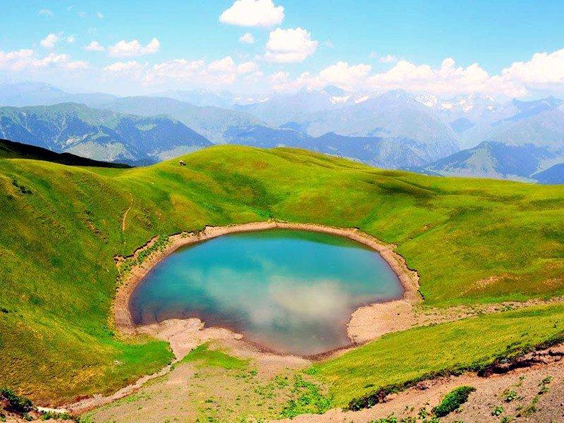 зеленое-озеро-Абуделаури.jpg