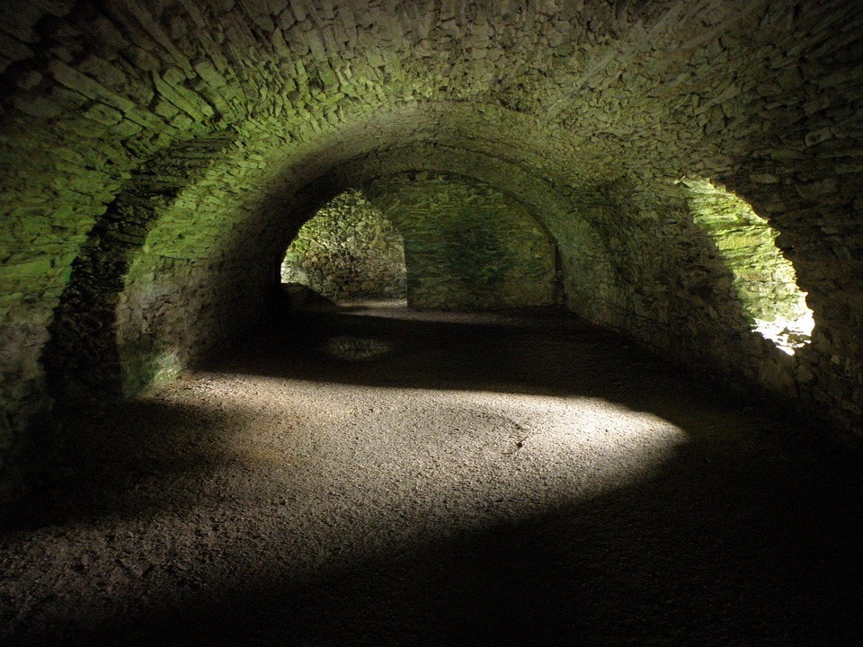 the-catacombs-441677_960_720.jpg