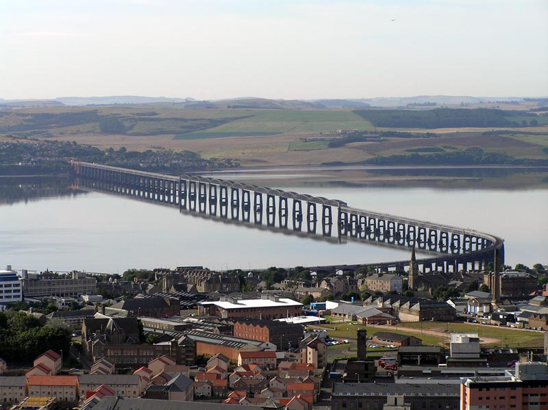 Taybridge_from_law_02SEP05.jpg