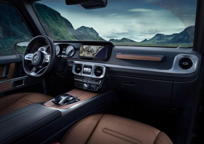 D467379-The-new-Mercedes-Benz-G-Class-Exclusive-interior-the-G-Class-reinterpreted-for-today.jpg