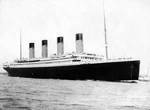 300px-RMS_Titanic_3.jpg