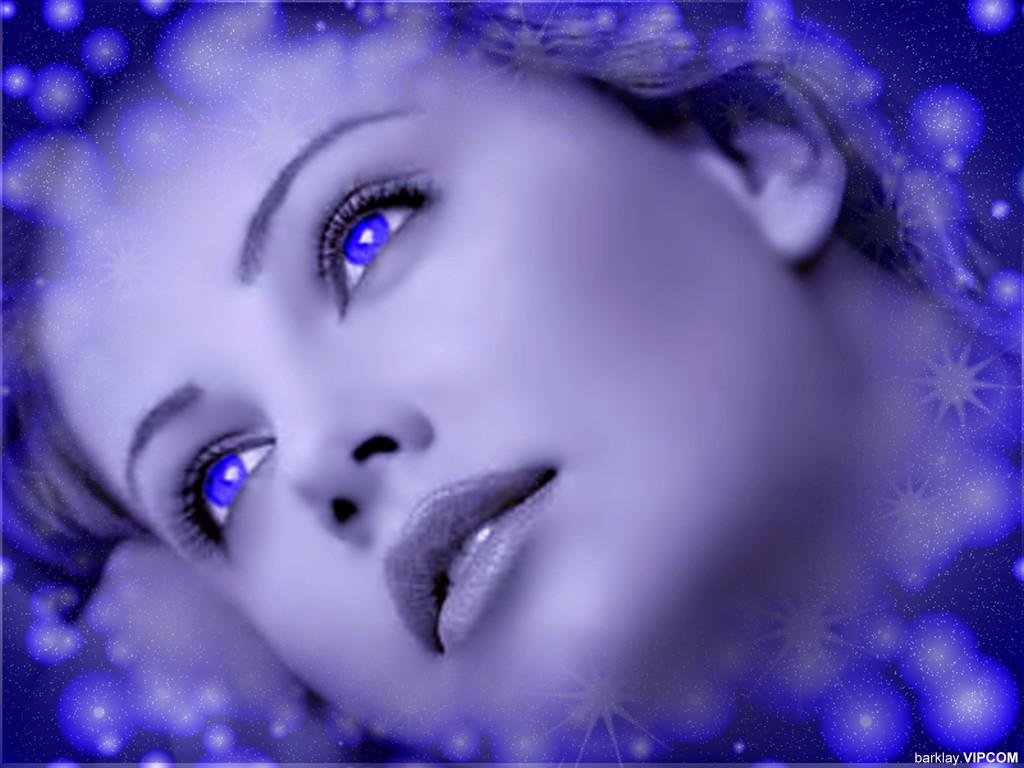 женщина в синем.jpg