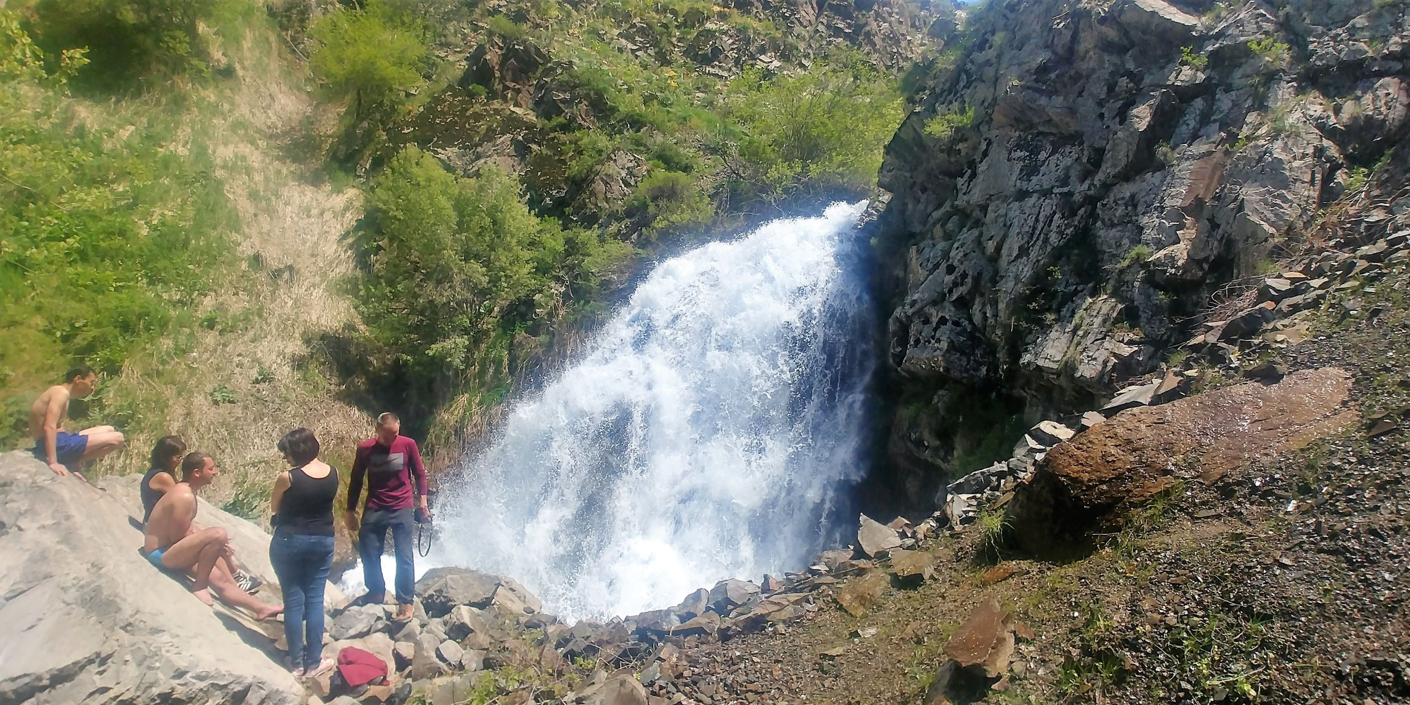 Путешествие к водопаду Аксарсай. Узбекистан
