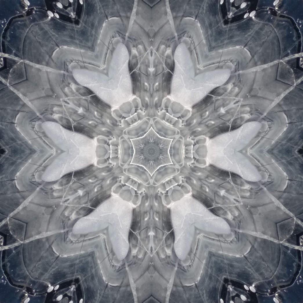 1281347136_mirror4.jpg