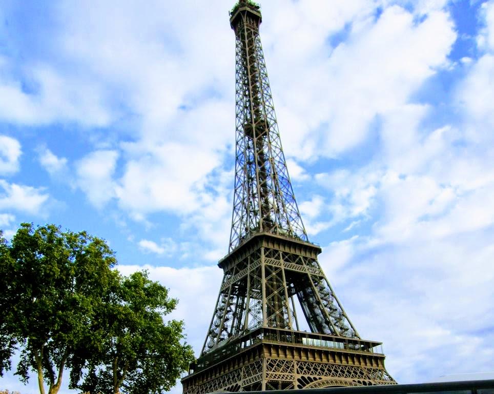 Проездом в Париже