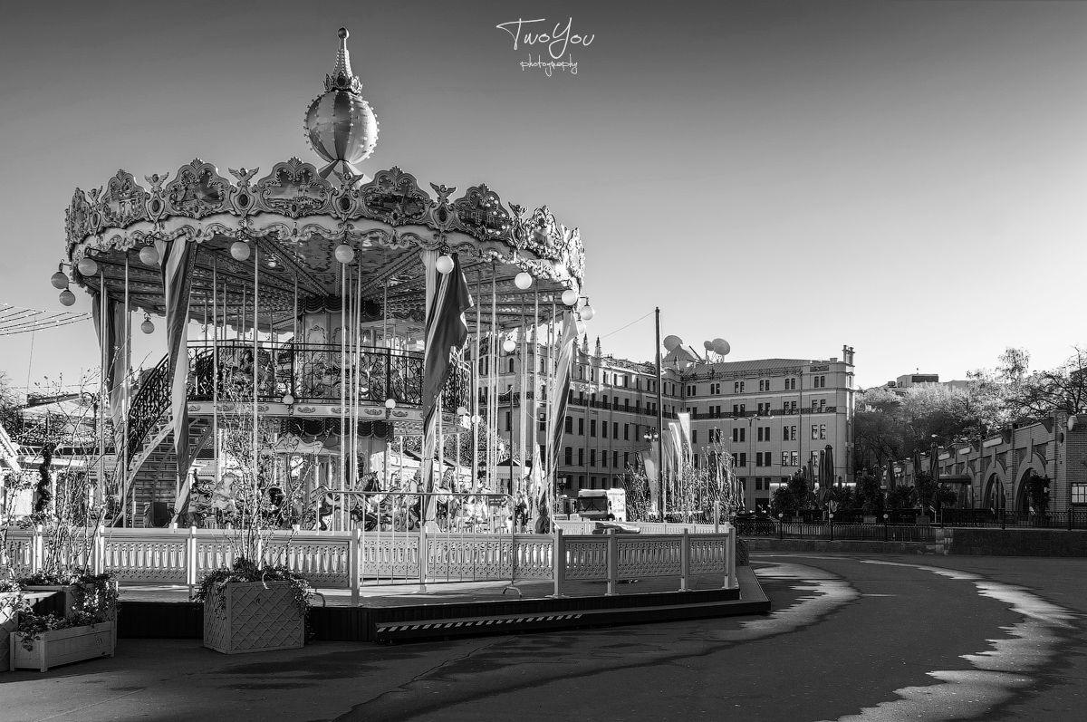 День черно-белой фотографии: Москва, центр, часть 1.