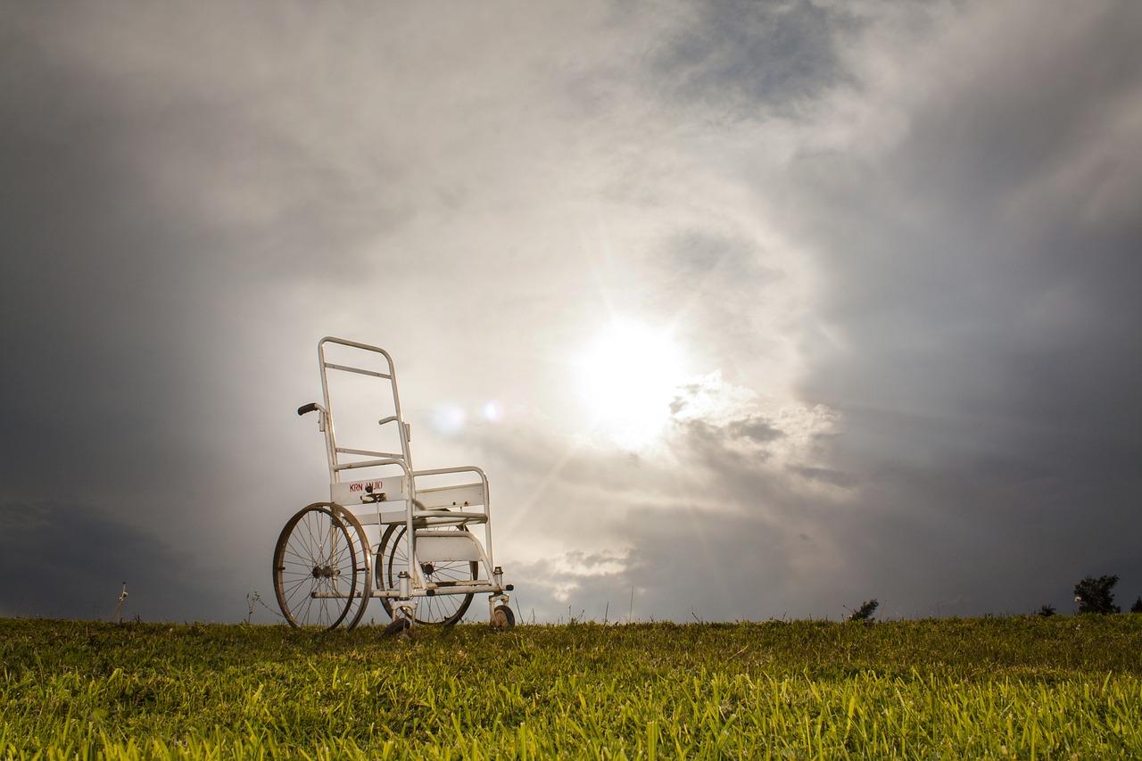 wheelchair-2322783_1280.jpg
