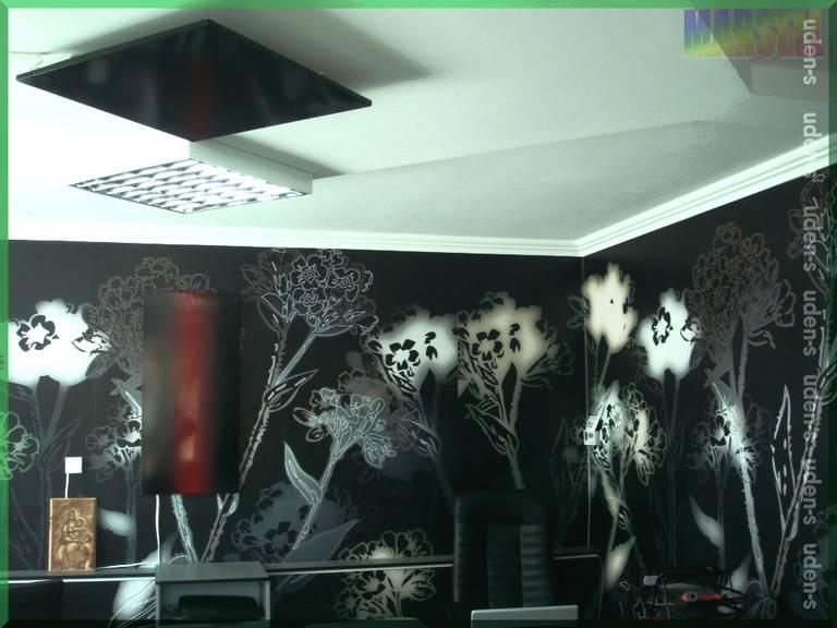 Гранатовый-браслет-и-потолочная-панель-9005.jpg