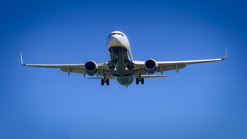 aircraft-3075056_960_720.jpg
